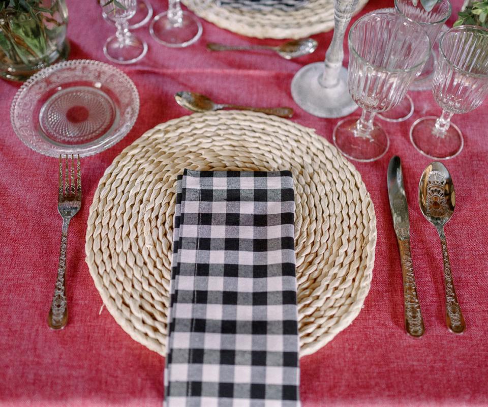 Menaje y mantelería nupcial - Alquiler de material para bodas