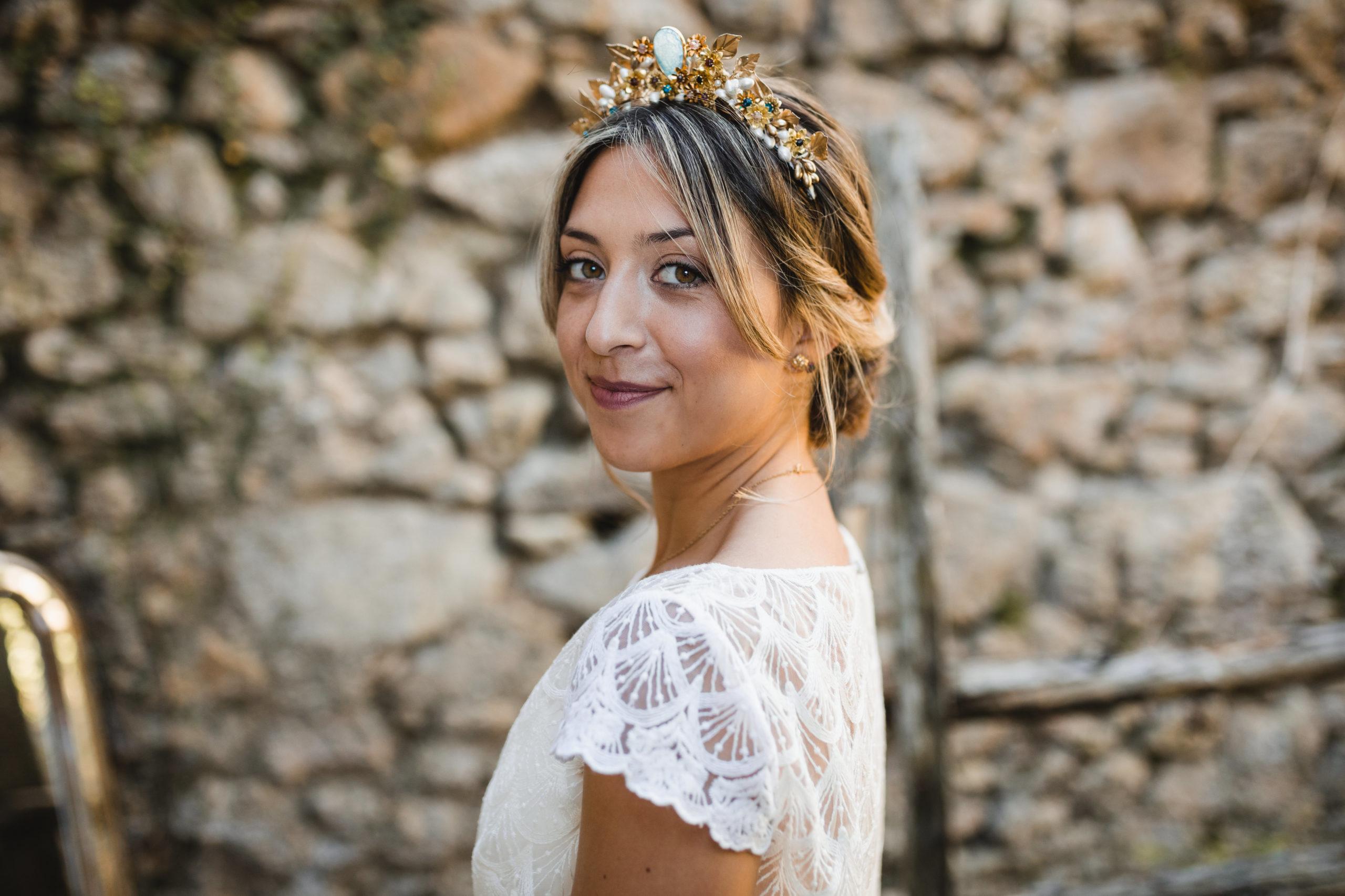 La novia en una boda en la montaña