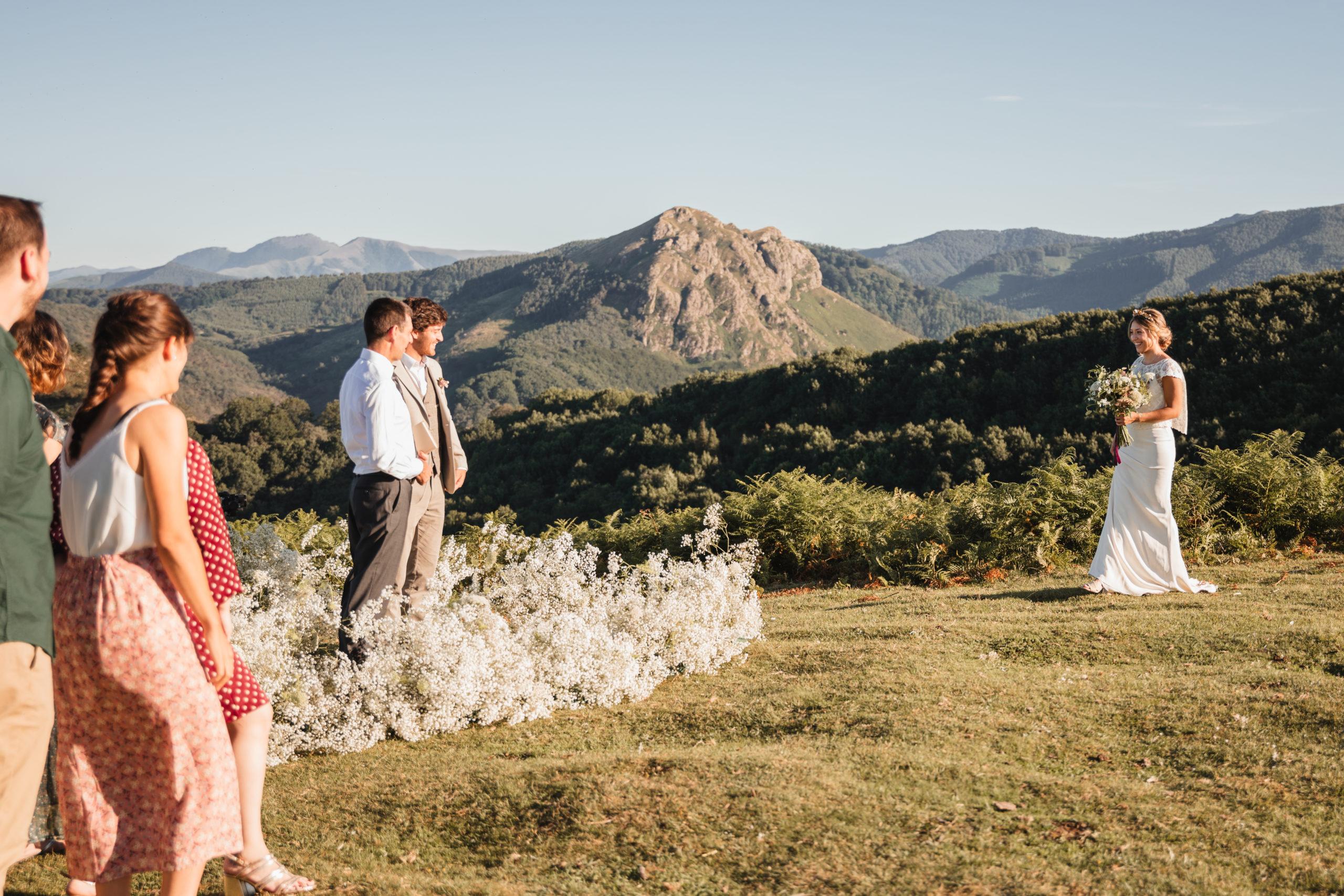 Ceremonia de boda en las Peñas de Aya