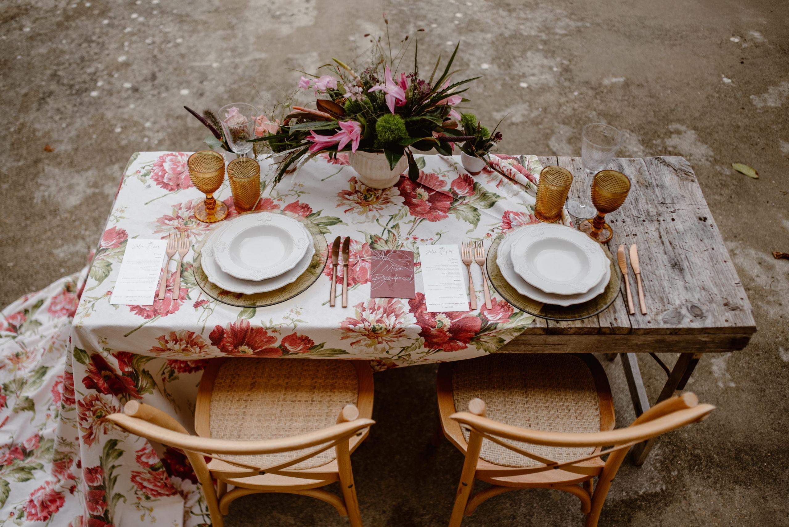 Mobiliario y menaje en alquiler para bodas nupciales